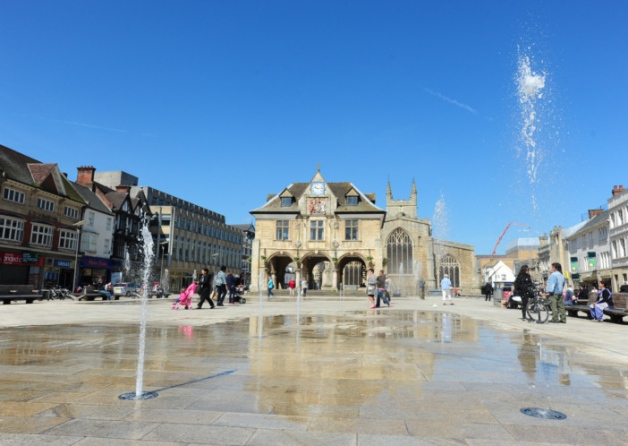 Nearby Cathedral Square & Fountains